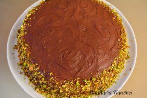 tort-cu-ciocolata-si-crema-de-mascarpone-o
