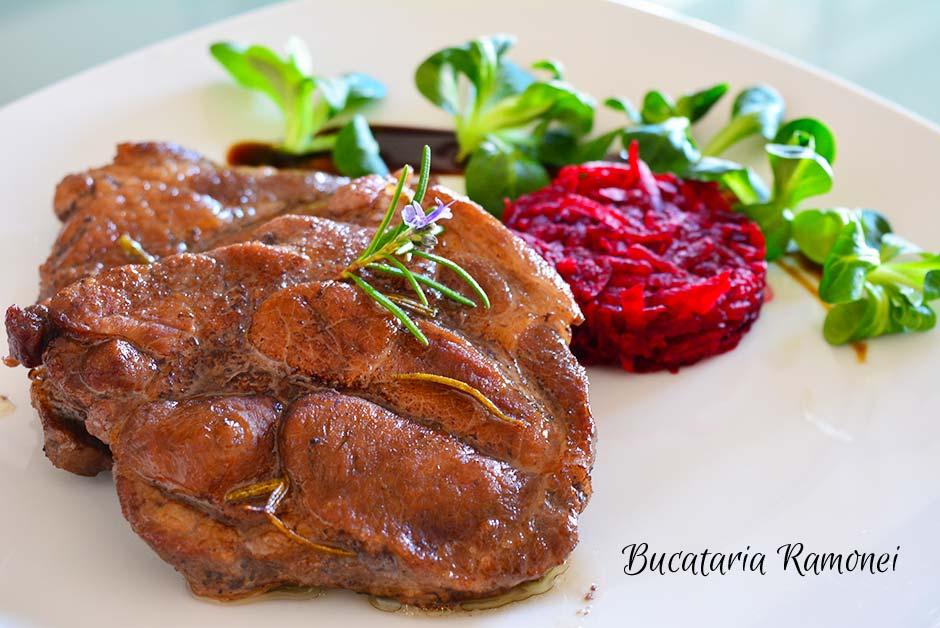 Cotlet de porc cu vin rosu