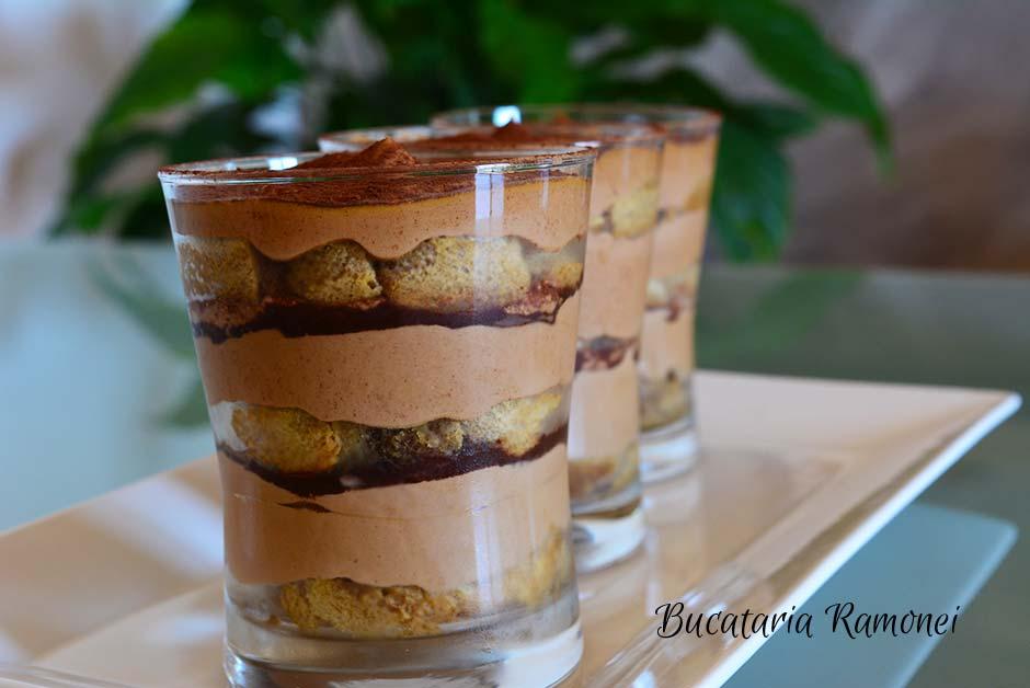 Tiramisu cu crema de ciocolata