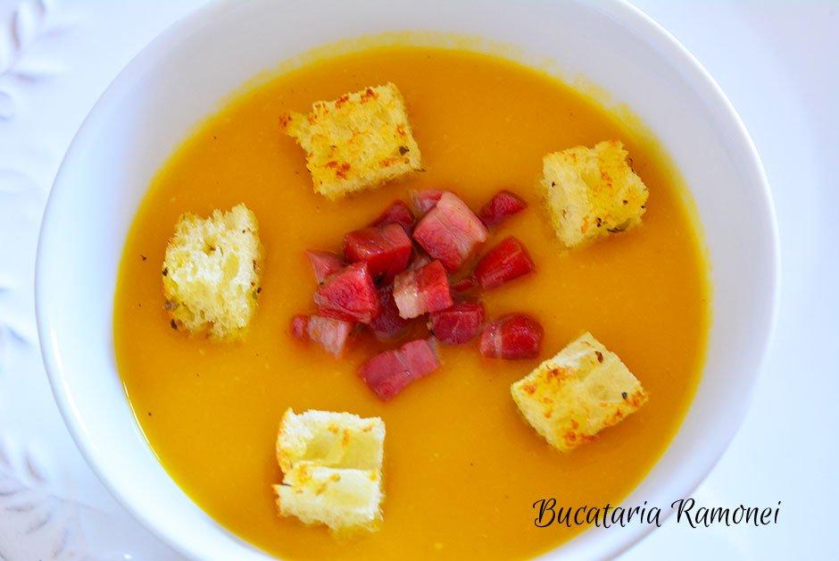 Supa crema de dovleac cu pancetta