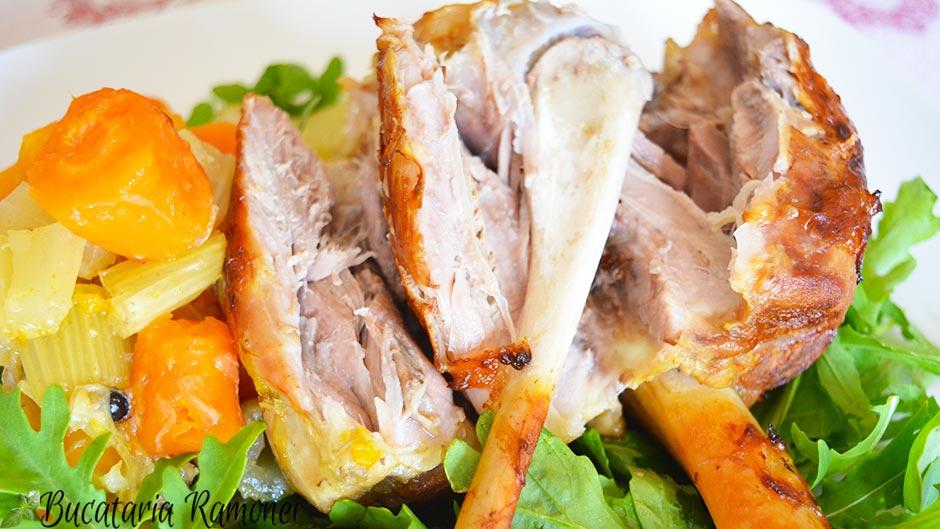 Genunchi de porc la cuptor