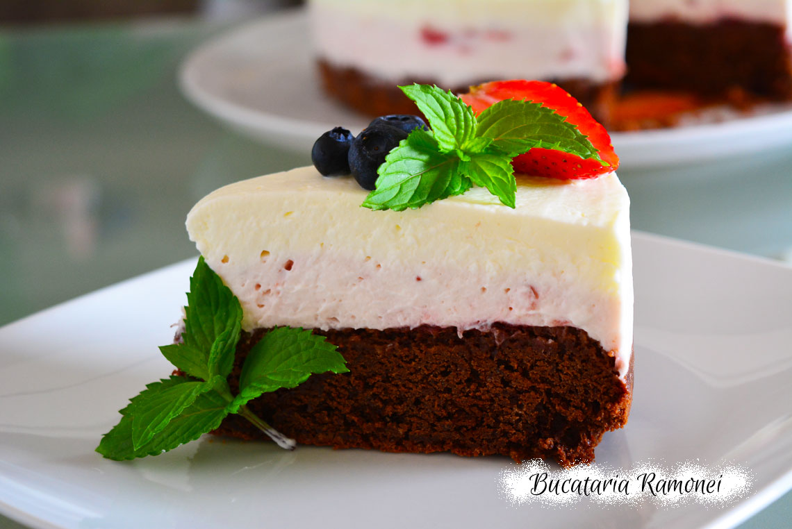 Tort cheesecake cu capsuni