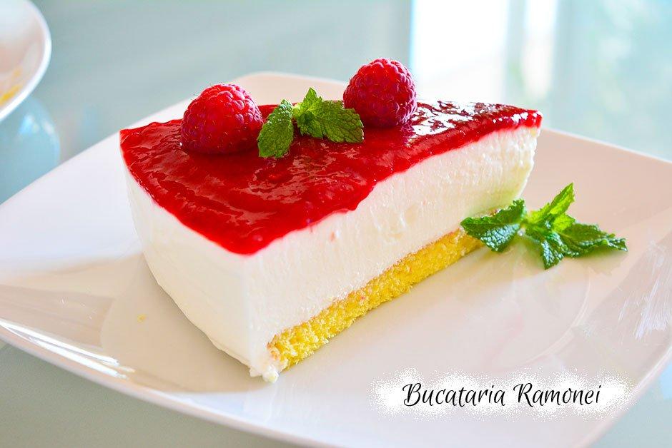 Tort cu iaurt si zmeura
