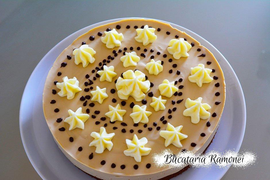 Tort cheesecake cu cafea