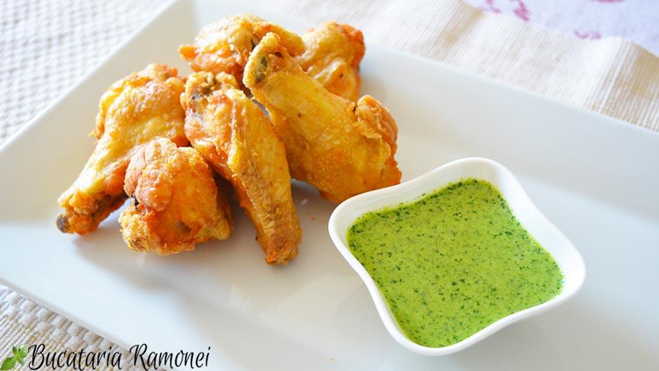 Aripioare de pui crocante cu sos verde