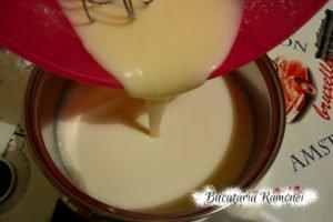 Prajitura alba cu crema de lapte