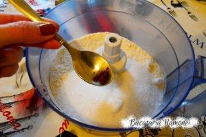 Tarta aromata cu dulceata de capsuni