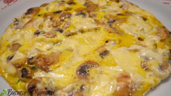 Frittata cu ciuperci si mozzarella