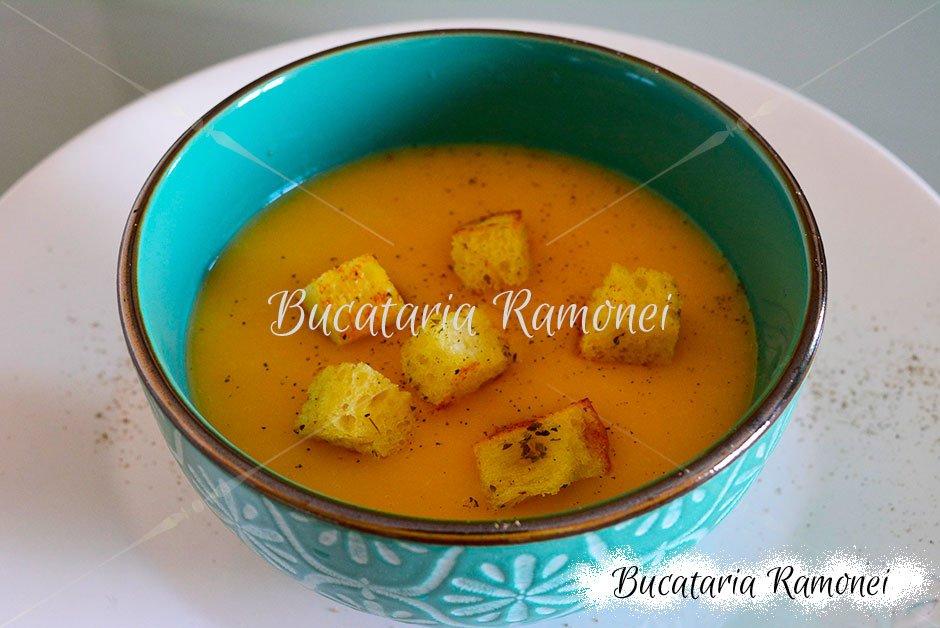Supa crema de cartofi, dovleac si fasole