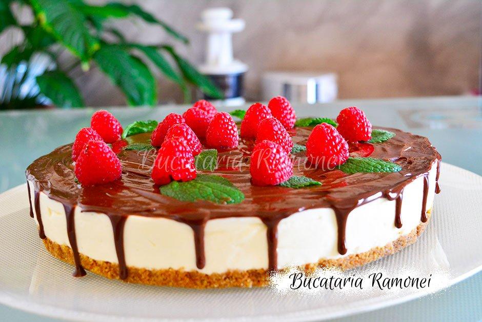 Cheesecake cu ciocolata si zmeura