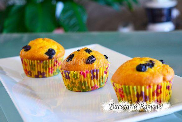 Muffins cu morcovi si afine