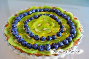 Tarta cu crema de lamaie, kiwi si afine