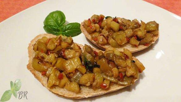 Bruschette cu vinete si peperoncino